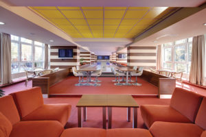Interierovy dizajn bowling baru